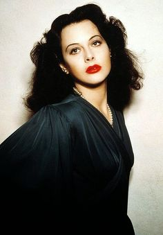 Hedy Lamarr, Hollywood actress and one of the most beautiful women in the world: held engineering patents for electrical devices. Who knew? She helped the US win WWII. Vintage Hollywood, Old Hollywood Glamour, Classic Hollywood, Classic Actresses, Beautiful Actresses, Hollywood Actresses, Actors & Actresses, Hollywood Stars, Golden Age Of Hollywood