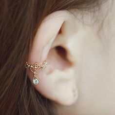 - Earring Type: Ear Cuff - Gender: For Women - Style: Trendy - Shape/Pattern: Water Drop - Weight: 0.021kg - Package Contents: 1 x Earring