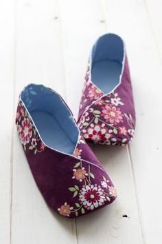 158 Woman Kimono Shoes PDF Pattern – add waterproof soling fabric (sewn during construction) or Vibrams soling (contact cement) for minimalist shoes you can wear outdoors Baby Shoes Pattern, Shoe Pattern, Baby Patterns, Sewing Patterns, Crochet Patterns, Baby Sewing, Free Sewing, Free Knitting, Sewing Slippers