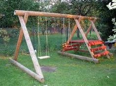 Výsledek obrázku pro dřevěná zahradní houpačka