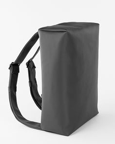 Locked - the perfect back pack. Designed by I+N. - Like the minimalist look
