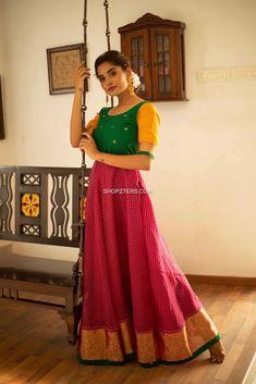 8 Stunning Dresses With Contrasting Yoke Patterns! Lehenga Saree Design, Lehenga Designs, Lehenga Choli, Stylish Dresses For Girls, Stylish Dress Designs, Half Saree Designs, Blouse Designs, Indian Designer Outfits, Designer Dresses