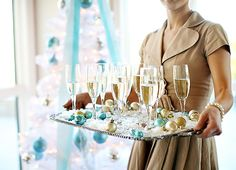 Heavenly way to serve champagne! #LillyHoliday
