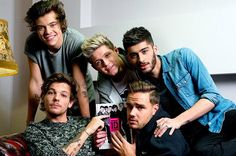 #OneDirection (with #ZaynMalik), by the numbers: 23 million songs, 6 million albums and more http://blbrd.cm/OAxqzn