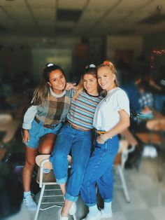 Outfits For School Spirit Week Debbie Gibson, Throwback Thursday Outfits, Throwback Day, Camping Outfits, Hip Hop, Dress Up Day, Outfit Of The Day, 70s Outfits, Cute Outfits