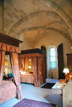 ~This looks like a bedroom out of a fairytale to me.