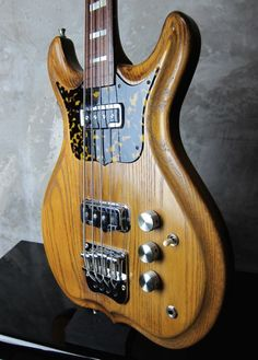 H.S. Anderson H.S. BB1 Fretless / Natural http://www.waku-ya.com/product/831