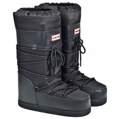 Prepare for winter early this year with these Hunter Black Chatel Women's Flat Snow Boot.