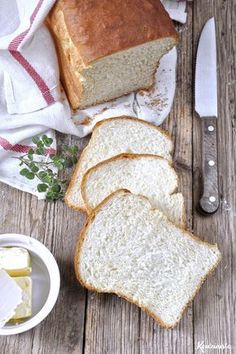 Feather soft eggless milk bread that stays fresh for days! (in Greek) Greek Cooking, Cooking Time, Cookbook Recipes, Baking Recipes, No Cook Desserts, Dessert Recipes, Greek Recipes, Food Menu, Breakfast Recipes