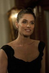 When Alex (Amanda Peet) is invited to a wedding at her boss Bob's (guest star Larry Miller) home, she invites Ben (guest star Matt Letscher), hoping he can aid in her efforts to impress the partner's wives. When a last-minute emergency arises, Ben is forced to leave and Pete (David Walton) comes in to try and save the day. Meanwhile, Screwsie (Margo Harshman) is offered the catering job for the wedding and enlists Walt's (Jeffrey Tambor) help. Elsewhere, Alex's necklace goes missing and the…