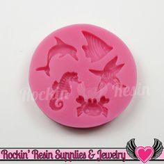Ocean Life Silicone Mold Silicone mold features sea life made from food safe material and can be used with so many mediums from chocolate and fondant to polymer clay and resin. ★Size: Approx. 0.75 to