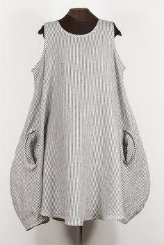 STRIPES black + white linen dress with 2 pockets – secret lentil