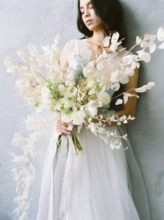 Ethereal winter bridal inspiration in smoky grey and blue tones Modern Wedding Flowers, Bridal Flowers, Floral Wedding, Wedding Blue, Wedding Color Pallet, Minimal Wedding, Winter Wedding Inspiration, Bride Bouquets, Wedding Designs