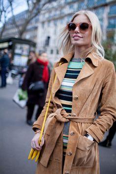 5492394d062 Suede + stripes    Paris Fashion Week street style Jarní Móda