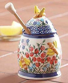 For when your cup of tea needs a little bit of honey ~ Polish Pottery Honey Pot, IsabellaCatalog.com