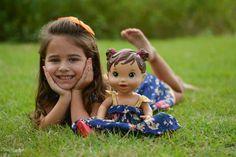 Encantadora nossa linha de roupa para as bonecas!!!  Cada estampa de nossa coleção tem um modelo para mãe, filha e para a boneca.  Barra Garden - Av das Américas 3255 loja 248. Entregamos para todo Brasil!!! Chame no whats App (21)982020080