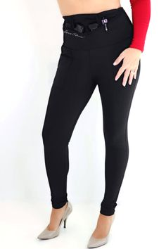 Ditch the bulky belt and make concealed carry comfortable and fashionable with concealed carry leggings from Dene Adams. Concealed Carry Women, Concealed Carry Holsters, Smith & Wesson Bodyguard, Surprise Gifts For Him, Carry On, Corset, Black Jeans, Dress Up, Leggings