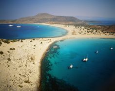Discover Elafonisos in Greece - The Island with the only Caribbean Beach in Europe - Guidora What A Wonderful World, Us Travel, Places To Travel, Amazing Places, Beautiful Places, Famous Beaches, Greek Islands, Crete, Holiday Destinations