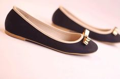 black flats with simple golden ribbons @ http://trendy-stilettoheels.blogspot.com