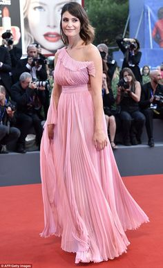 She on the judging panel of the Venice Film Festival. So it's understandable that Gemma Arterton opted for a glamorous look when she attended the event's award ceremony on Saturday. Pink Chiffon Dress, Pink Dress, Best Celebrity Dresses, Celebrity Style, British Actresses, Gemma Arterton, Film Festival, Bridesmaid Dresses, Celebs