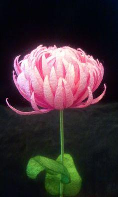 İpek Kozasından Kri̇zantem  Sipariş vermek için: www.ipekelsanatlari.com - info@ipekelsanatlari.com  *****************************************  Chrysanthemum made of silk cocoon  Buy it Online! www.ipekelsanatlari.com - info@ipekelsanatlari.com  #ipek #koza #cicek #krizantem #silk #cocoon #chrysanthemum #handmade #diy_crafts #design #flower #ipekbocegi #ipekelsanatlari Felt Flowers, Paper Flowers, Handmade Flowers, Handicraft, Jewelery, How To Make, Yandex, Design, Diy Crafts