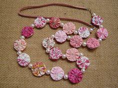 a bead in between Handmade Beads, Handmade Crafts, Handmade Jewelry, Fabric Necklace, Diy Necklace, Textile Jewelry, Fabric Jewelry, Fabric Beads, Fabric Art