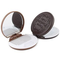 1 x Cute Cookie Shaped Design Mirror Makeup Chocolate Comb. Lovely cookies design with comb. Best chioce as gifts for friends who enjoy chocolate and cookies or simply those with sense of humor and creativity. Gifts For Teens, Gifts For Friends, Kawaii Makeup, Mini Makeup, Makeup For Teens, Small Mirrors, Mirror Set, Cute Cookies, Compact Mirror