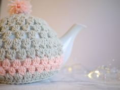 Fancy making a tea cosy? I've had a HUGE amount of cyber love for this tea cosy tutorial. And with Mothers Day just around the corner…I…