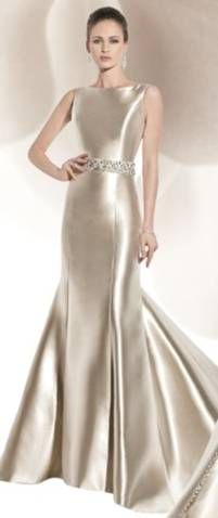Fabulous Designer Sale Wedding Dresses and Discount Bridal Gowns. Occasion wear, Debs, Prom and Evening gowns at Amazingly Reduced Prices. Beautiful Gowns, Beautiful Outfits, Gorgeous Dress, Beautiful Life, Elegant Dresses, Pretty Dresses, Elegant Gown, Wedding Dress Styles, Wedding Gowns