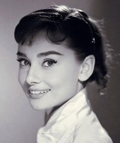 Audry Hepburn - Audrey Hepburn - her inner beauty emanated especially when she smiled.