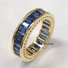 Sapphire Wedding Band in 18K Yellow Gold 4.10ct Blue por TheLOGR