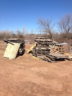 A Building We Shall Go!: Just The Plane Facts about preparing wood pallets for the floor