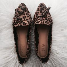 """662 Likes, 20 Comments - Dottie Couture Boutique (@dottiecouturebtq) on Instagram: """"STYLISH leopard flats just went online! Just $22! Hurry and snag a pair. Tap to shop! 🖤…"""""""