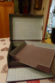 """Cartonnage - Cousette AEF - 2 jolis cadeaux - 4 boites - mes petites chutes - pour une fan de… - un nichoir - J'aime les boites - cartonnage : boite… - Pour un amateur de… - """"sous toutes les… - le blog lesbonheursdesylvie"""