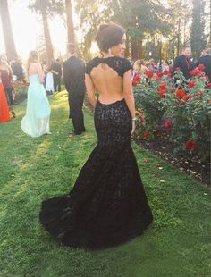 New Backless Lace Black Prom Dress Open Back Mermaid Cap Sleeved Evening Dresses