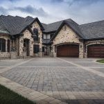 Create a dramatic entrance! You can do this by using multiple paver styles, or simply by using contrasting colors, shapes and/or laying patterns of the same paver style. Driveway Pavers, Driveway Design, Outdoor Spaces, Outdoor Living, Paver Patterns, Simple Borders, Entrance, Living Spaces, Yard