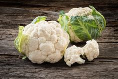 If you're watching your carbohydrates, don't fall into the trap of eating nothing but bacon and cheese for all your meals. There are plenty of ways to adhere to a low-carb diet while still getting … Health Benefits Of Cauliflower, Roasted Cauliflower Salad, Cauliflower Flour, Cauliflower Recipes, Low Carb Diet Plan, Low Carbohydrate Diet, Healthy Eating Recipes, Cauliflowers, Loosing Weight
