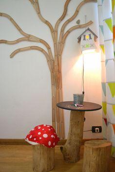 Spelen de kinderen niet meer met de houten treinbaan? Tover hem om tot een geweldige boom op de muur!