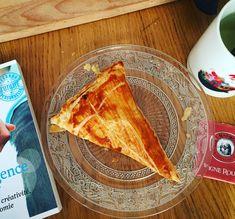 Galette des rois express  Aux pommes svp!;-) À suivre sur http://lesgoutsetlescouleursdelaurence.over-blog.com #galette #epiphanie #pommes #vitefaitbienfait