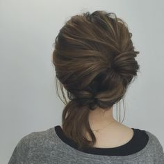 ヘアピン不要!ゴムだけでできる「楽ちん&お洒落」なまとめ髪7選 - LOCARI(ロカリ)