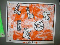Technique du monotype: peindre entièrement une plaque de peinture au rouleau, faire un dessin et placer une feuille directement dessus pour faire l'impression.
