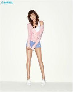SNSD - Kwon YuRi 권유리 & her cousin, Vivian 비비안 (Cha HyunJung 차현정) as Barrel Girls for 2016 campaign #배럴걸 #배럴 #유리 #화보 #YulViv
