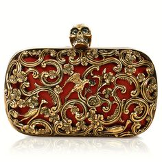 Alexander McQueen Keeps Adorning Bags With Skulls And Brass Knuckles (Spring/Summer Look ShokLook Shok Alexander Mcqueen Handbags, Brass Knuckles, Brown Purses, Beautiful Bags, Evening Bags, Fashion Accessories, Shoe Bag, My Style, Valentino