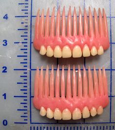Denture Hair Combs via Etsy. The funniest hair combs I've ever seen! Creepy, Dental Humor, Dental Hygienist, Weird And Wonderful, Make It Yourself, Cool Stuff, Scary Stuff, Awesome Things, Interesting Stuff