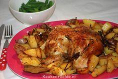 Gebraden hele kip uit de oven met aardappels - Keuken♥Liefde
