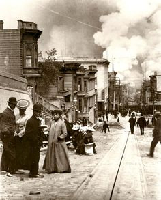 The fires that ravaged San Francisco as a result of the 1906 earthquake, seen from the Fillmore District.