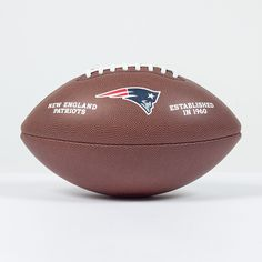 Ballon NFL New England Patriots   http://touchdownshop.fr/taille-officielle/445-ballon-nfl-new-england-patriots.html