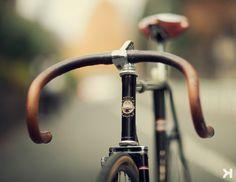 kinfolk autumn / ways & means / leather handlebars / brooks saddle