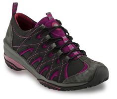 http://www.jambu.com/item/elite/wj13eli/311  Elite Be a trail-blazer this season in the Elite. This unique outdoor shoe is a sneaker-boot hybrid that will keep you moving in style for hours. Fun pops of color throughout the upper make this shoe fashion forward yet still practical.