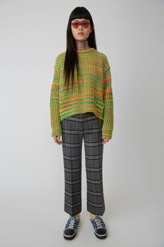 Acne Studios grey sleek trousers with no wastband in a traditional, menswear-inspired check. Edgy School Outfits, Cute Outfits, Best Mens Fashion, Fashion Tips For Women, Asian Street Style, Checked Trousers, Colourful Outfits, Minimal Fashion, Knitting Designs
